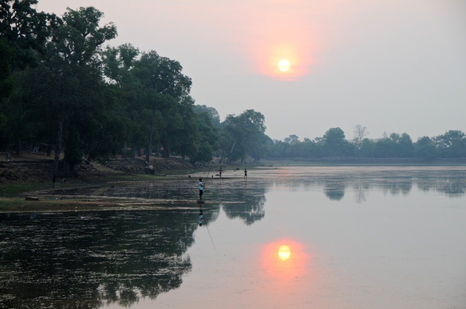Sunrise on East Baray at Srah Srang.
